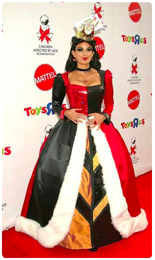 teri hatcher goes all out as the queen of hearts